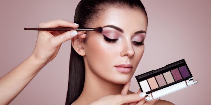 An Ultimate Guide To Applying Eye Makeup
