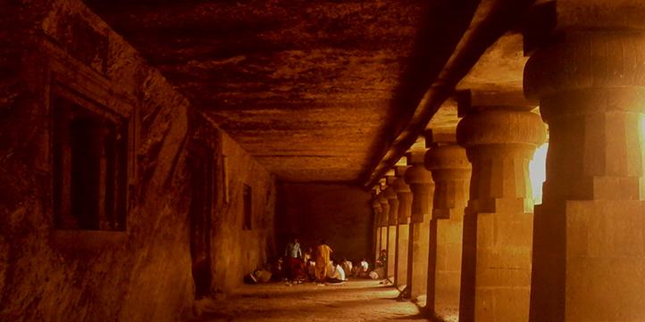 Visit Jogeshwari caves - Live More Zone