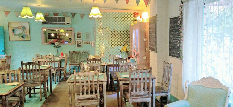 No Plans For a Date? Head To This Amazing Café In Saket