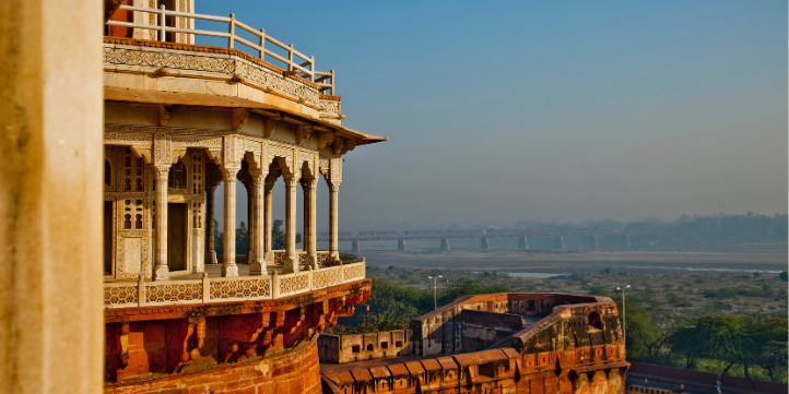Agra Fort – Live More Zone