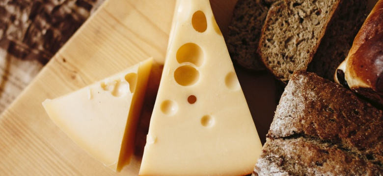 Love Artisanal Cheese? These Cheese Makers Deliver It Home