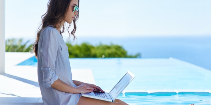 7 Tips On How To Work While Traveling