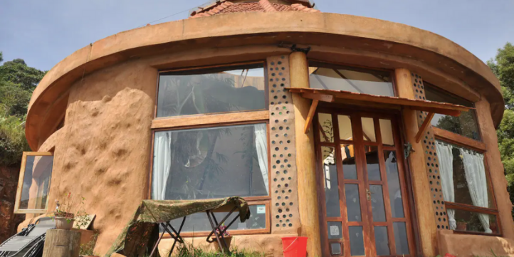 Earthship Karuna  – Live More Zone