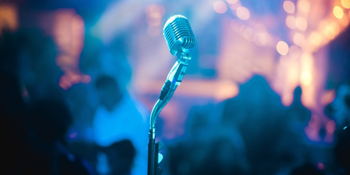 Love Karaoke? These 6 Places In Mumbai Are Sure To Hit The Chord With You