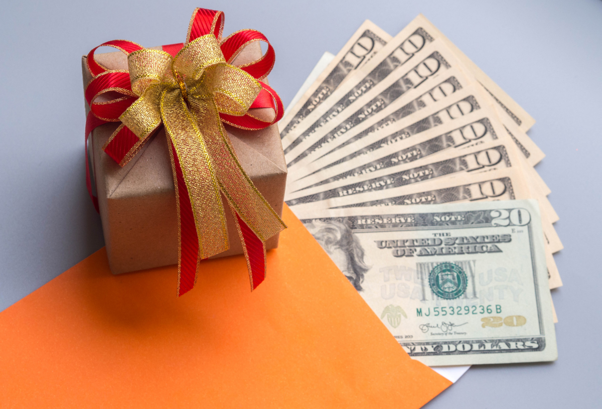 4 Benefits Of Sending Money As Gifts To Your Loved Ones Abroad