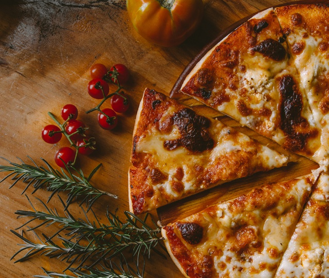 Visit These Places For Best Pizza In Delhi