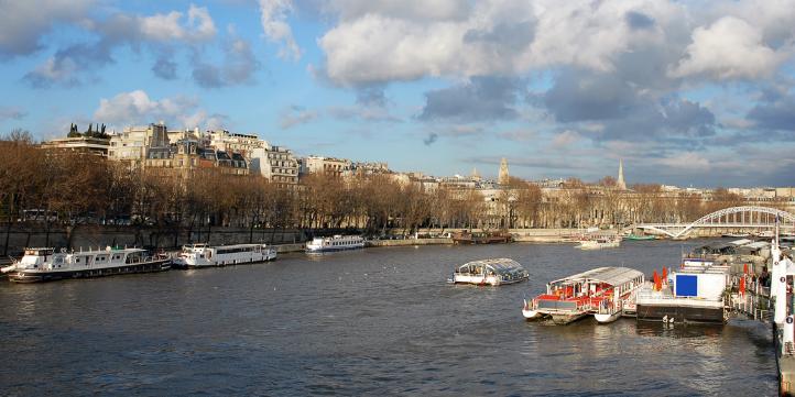 Seine river – Live More Zone