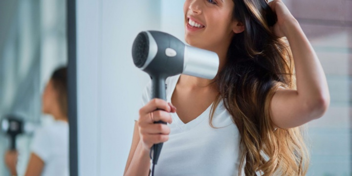 5 Easy To Apply Hair Styling Tips Without Cutting Your Bangs