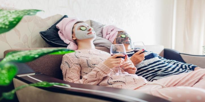 Honey milk face mask