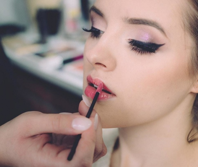 Glam Up With These Makeup Artists That Offer Incredible Services