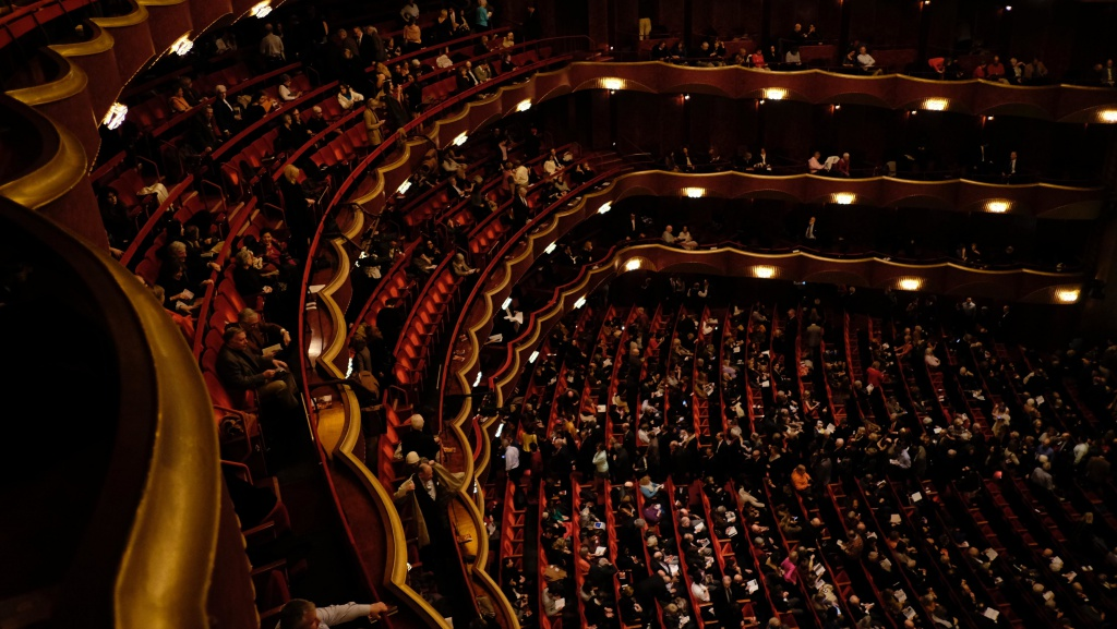 Metropolitan Opera House - Live More Zone