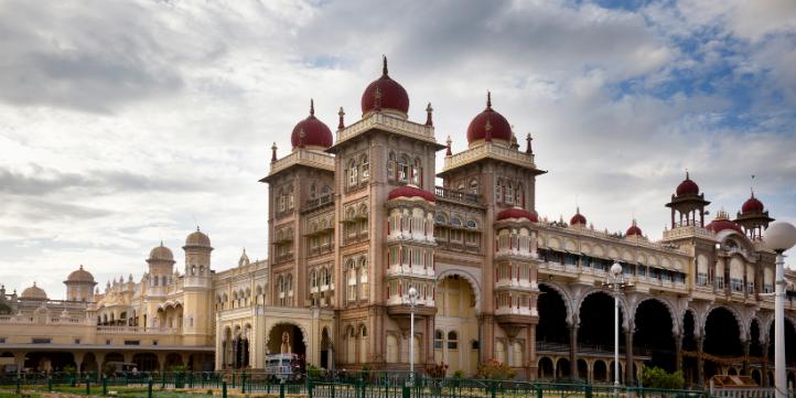 Mysore Palace  – Live More Zone