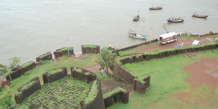 Sindhudurg Fort – Live More Zone