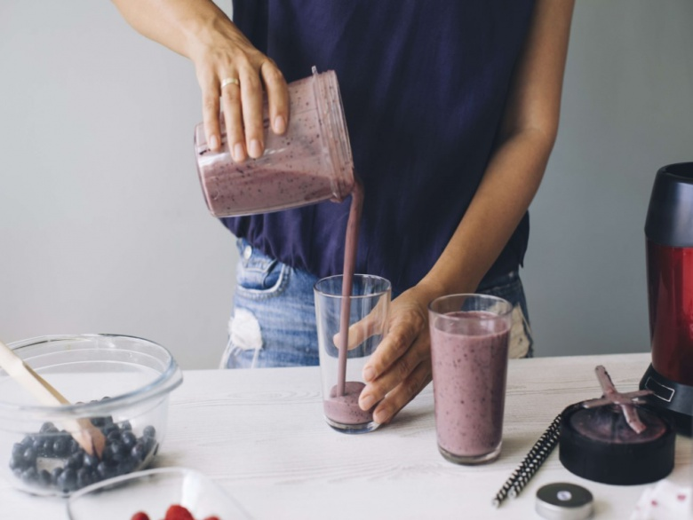 10 Healthy Smoothies To Make When You're Too Busy to Cook