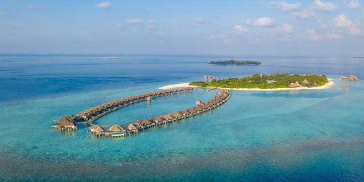Overwater villa  – Live More Zone