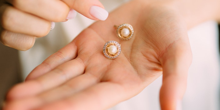 Pair of Chic Studs - Live More Zone