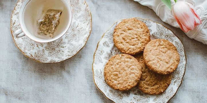 Simple Tea-Time Biscuits