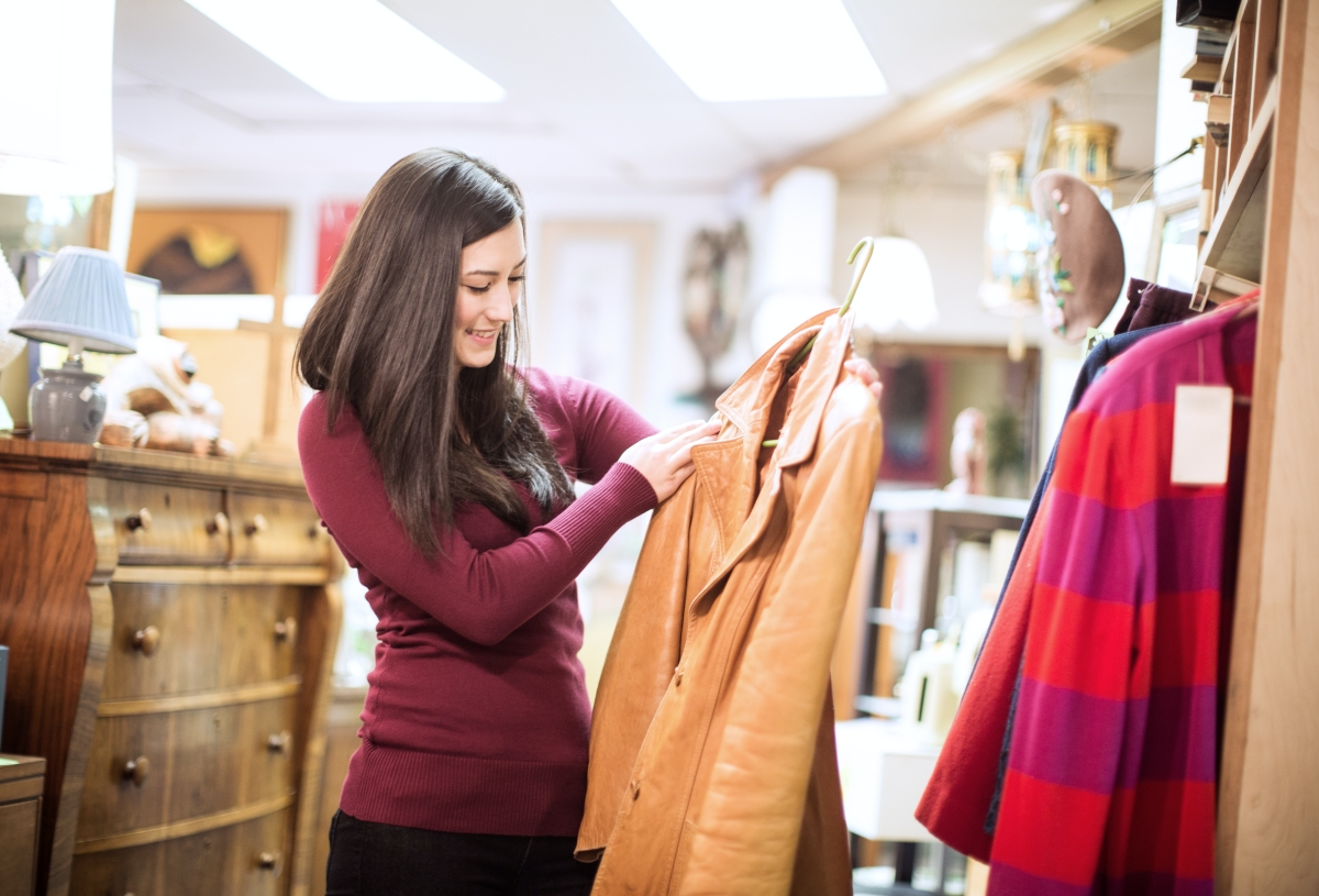 7 Tips For Shopping Secondhand Clothes