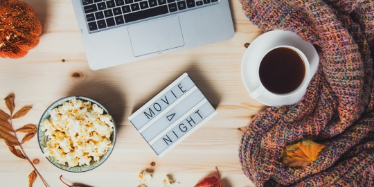 5 Easy Snacks To Binge On While Watching Your Favorite Movie