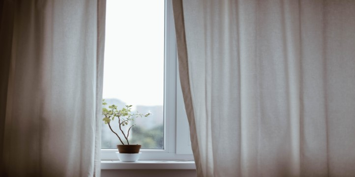 Use curtains for photography - Live More Zone