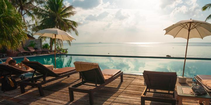 Stay in Dubai – Live More Zone