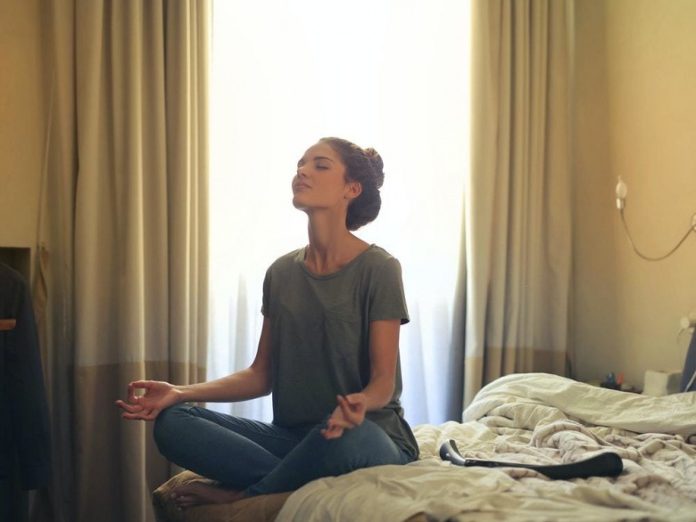 #StayHome – 5 Yoga And Meditation Apps That Will Help You Get Through The Lockdown